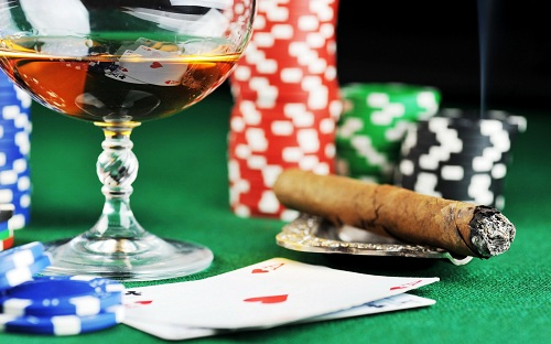 """Analisi e strategie nel Texas Hold'em"""