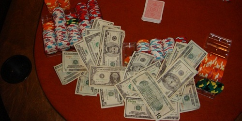 Giocare a Poker: come giocare ai cash games con microlimiti