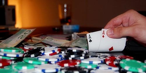 Giocare a Poker: quanto è importante affidarsi all'istinto?